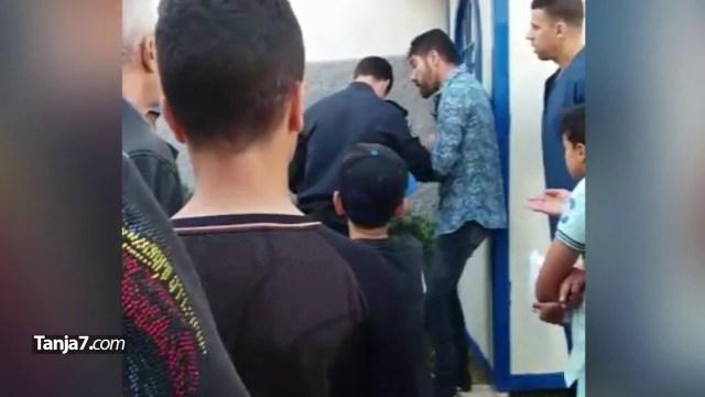 بالفيديو.. توقيف شخص أراد الصلاة قرب مدرسة فرنسية في طنجة أمام أنظار طفله