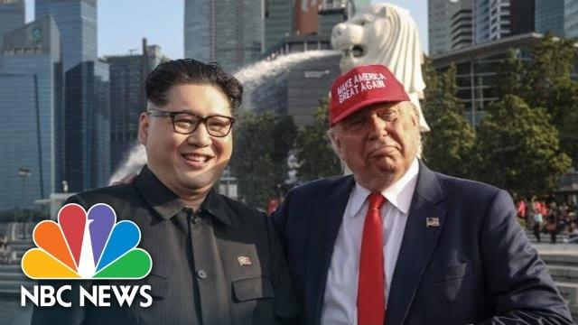 قبيل القمة.. شبيها ترامب وكيم يتجولان بسنغافورة