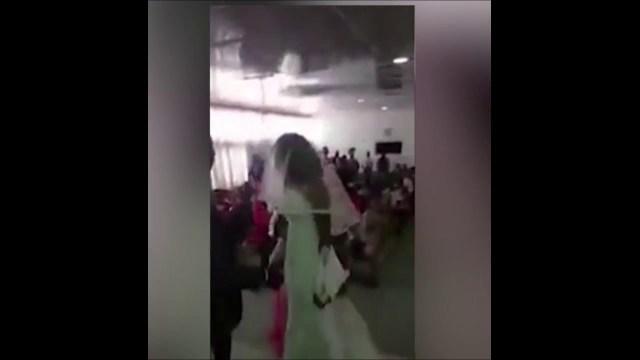 امرأة مخدوعة» تحضر فرح حبيبها: ارتدت فستان عروسة