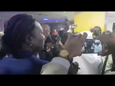 قوش يرقص طرباً بالسلام مع فرقاء جنوب السودان