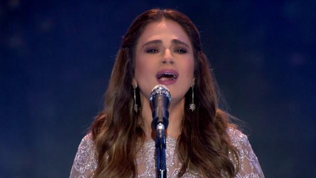 """مغنية لبنانية تؤخر موعد حفلتها بسبب """"الصلاة"""""""