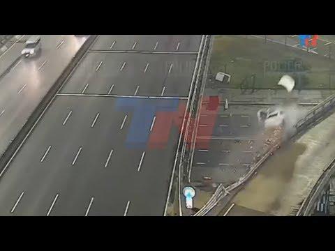 بالفيديو … شاب تكتب له حياة جديدة بعد حادث مروع بسرعة جنونية