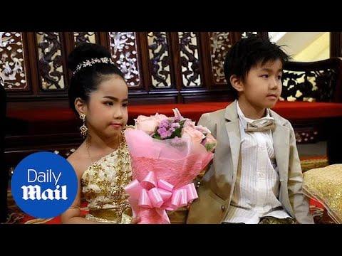 زواج طفلين توأم في تايلاند لجلب الحظ !