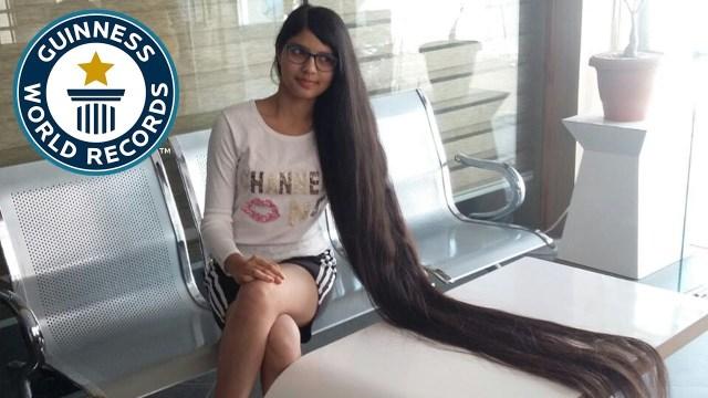 شاهد.. فتاة هندية تمتلك أطول شعر في العالم!