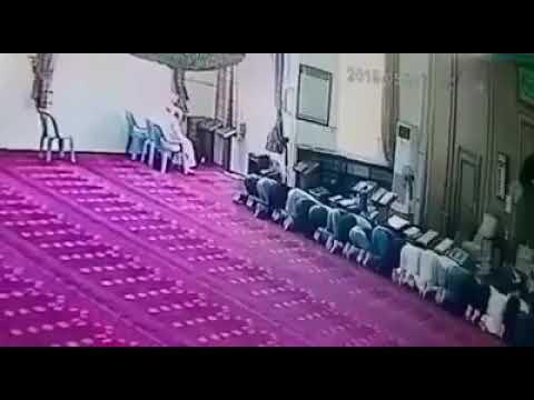 """الموت يفاجئ شاب """"عريس"""" أثناء الصلاة داخل مسجد في الأردن"""