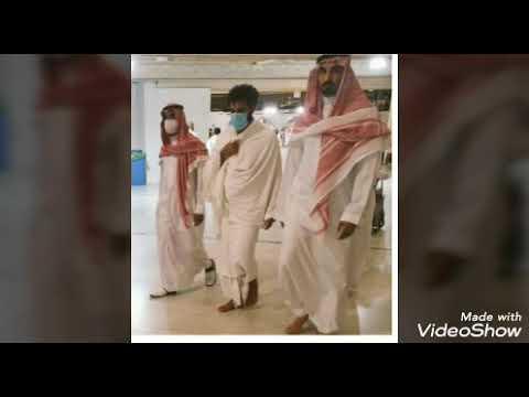 محمد صلاح يؤدي مناسك العمرة