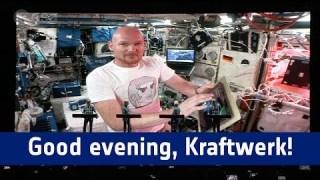 Good evening, Kraftwerk / Guten Abend Kraftwerk, guten Abend Stuttgart!