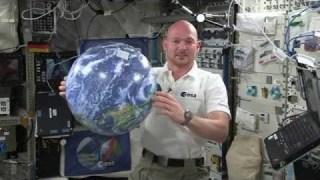 ESA astronaut Alexander Gerst greets German planetariums