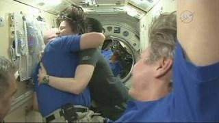 Samantha Cristoforetti torna a casa: la navetta Soyuz corre verso la Terra