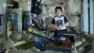 Exercise in space with Samantha Cristoforetti!
