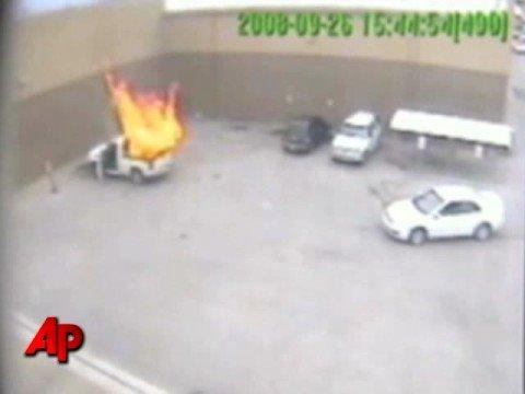 Έκρηξη φιάλης προπανίου σε φορτηγάκι – Propane Tank in Truck Explodes