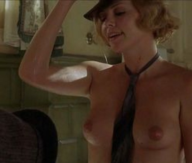 Nude Video Celebs Debra Messing Sexy A Walk In The Clouds