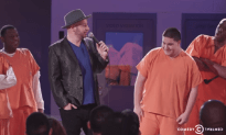 Comedian Jeff Ross Roasts Jail Inmates