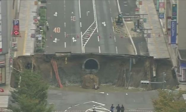 Huge Sinkhole in Japan Causes Street to Collapse
