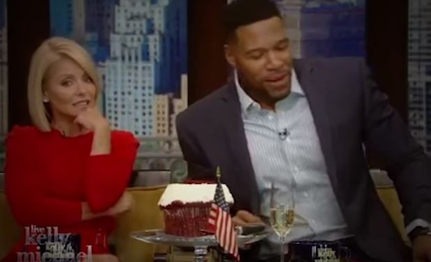 "Kelly Ripa Is Pissed Regarding Her Co-host Michael Strahan's New Full-Time Role On ""Good Morning America"""