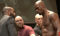 UFC 214: Cormier Vs. Jones Official Weigh-ins