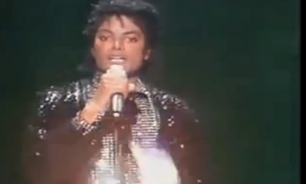 Michael Jackson – Billie Jean Performed Live