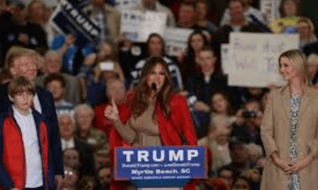 There Is A Petition Circulating Demanding Melania Trump Move To The White House