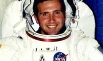 Does This Look Like the Face Of The First Man To Have Sex On The Moon?