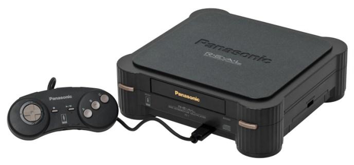 Foto de la consola 3DO con su característico mando