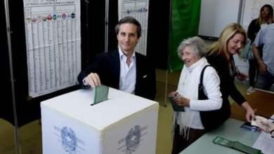 Photo of Campania – Elezioni: Caldoro al voto con la famiglia
