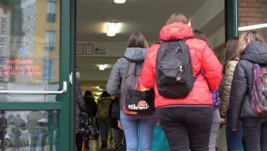 Photo of Campania – Ritornano tra i banchi gli studenti delle superiori