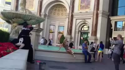 Epic Fail Lauren falls into Las Vegas Fountain While Trying to Look Hot