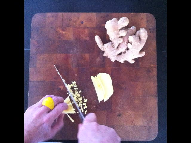 How to chop ginger