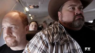 Louie.S01E05-(plane)