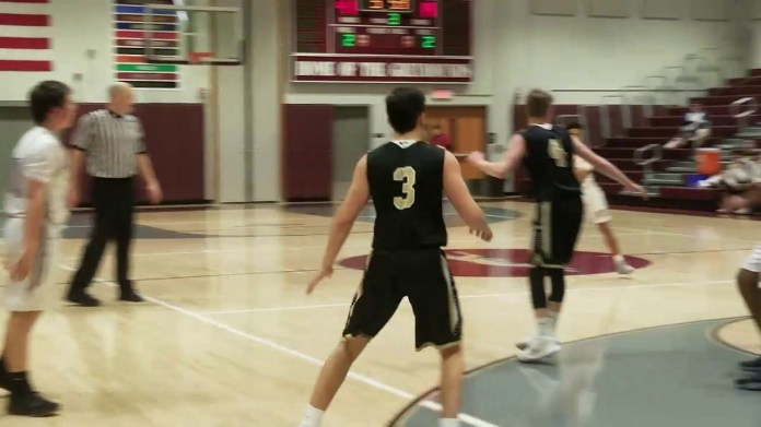 NVL boys hoop: Naugatuck coasts past Woodland