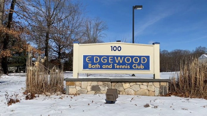 For the fourth and final installment of her New Year, New You series, Community Karen visits Edgewood Bath and Tennis Club to learn paddle tennis. Paddle tennis is a winter racquet sport that is played outdoors, so it is a safe and fun way to get some exercise this winter and learn a new sport!