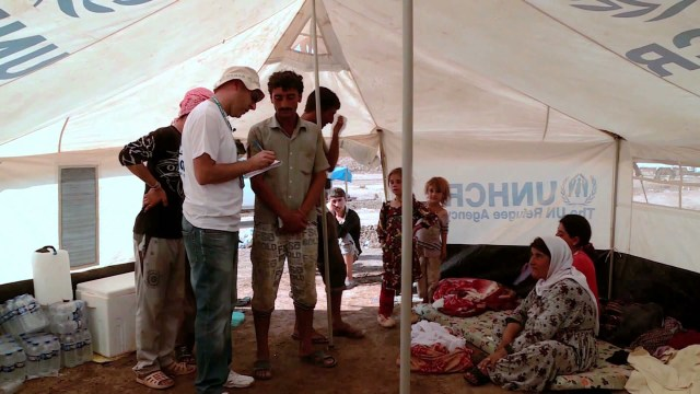 Iraqis seek shelter at border camp