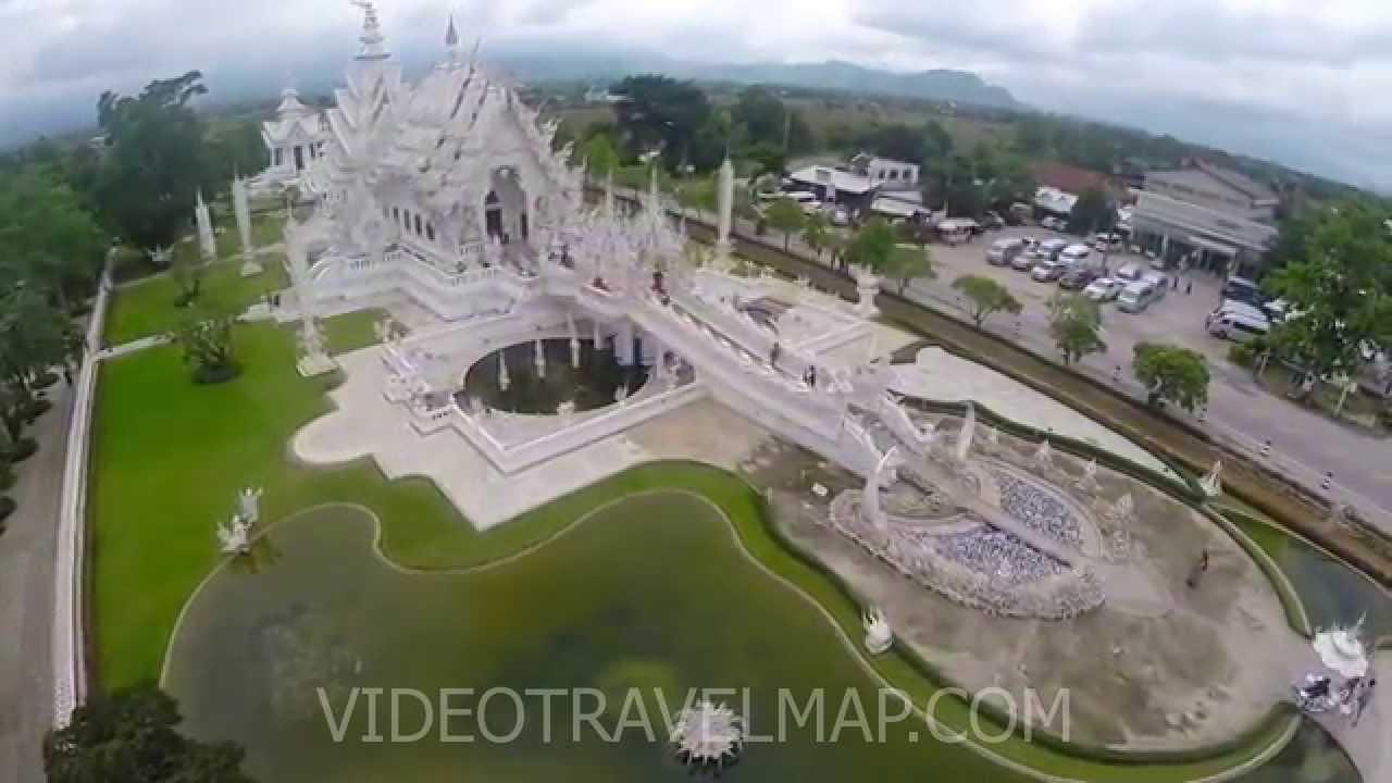 Biała Świątynia w Chiang Rai z drona