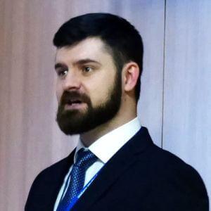 Лапшин Антон Николаевич. Ветеринарный врач, хирург. Специалист по эндоскопической хирургии. Член Ветеринарного Эндоскопического Общества (VES).