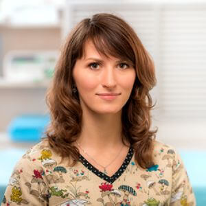 Маратканова Полина Борисовна. Ветеринарный врач, хирург. Специалист по экзотическим животным. Участница Национального ветеринарного стоматологического Союза.