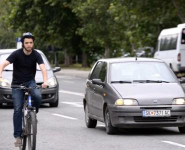 Јас внимавам, возам велосипед одговорно