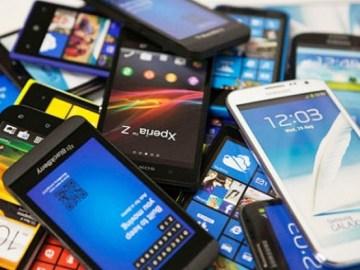472739-smartphones2.jpg