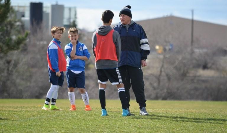 10 Characteristics of an Efficient Football Coach