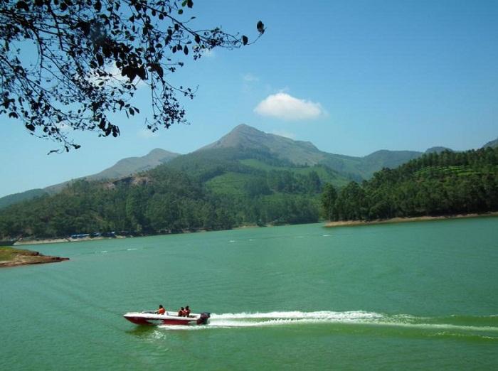 Mattupetty Dam Water Boating