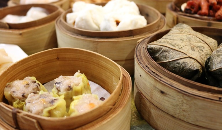 Best Hong Kong Street Food and Relaxation Spots