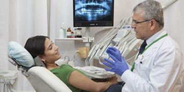6 things to look for in a cosmetic dentist, VidLyf.com