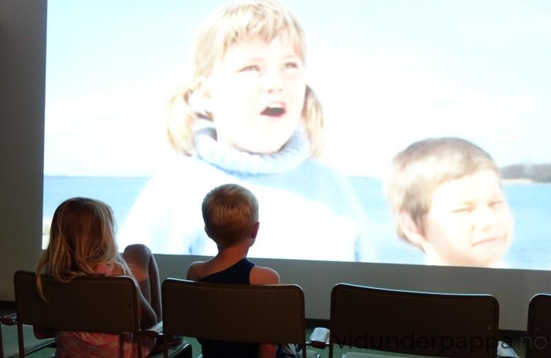 På kinoen rullet de mest kjente scenene fra Astrid Lindgrens mange filmer. Tjorven gjør seg på stort format i Filmbyn!