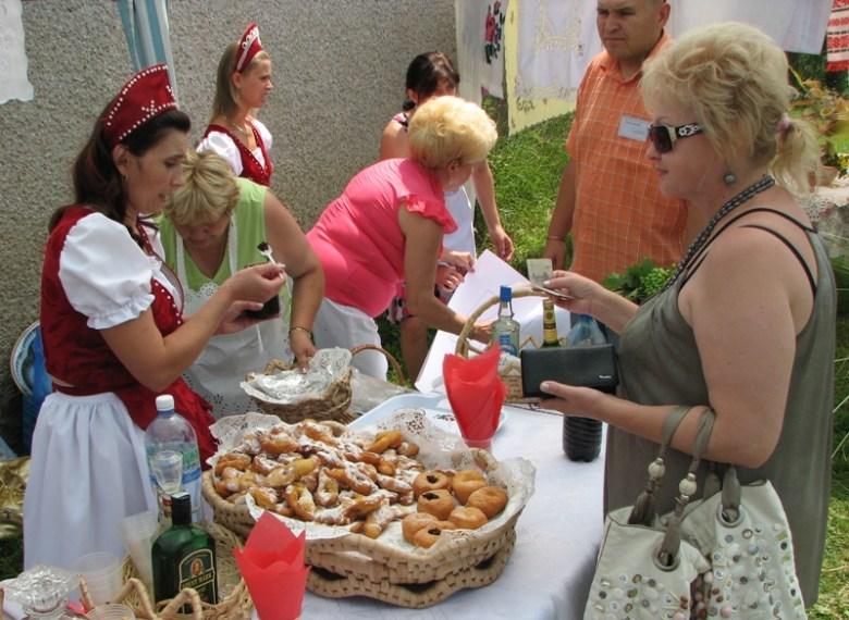 На фестивалях еда особенная