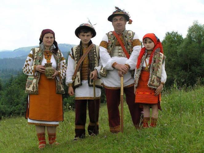 Гуцульская семья Пожоджук из с. Космач Косовского района Ивано-Франковской области