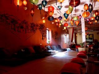 Lantern Café