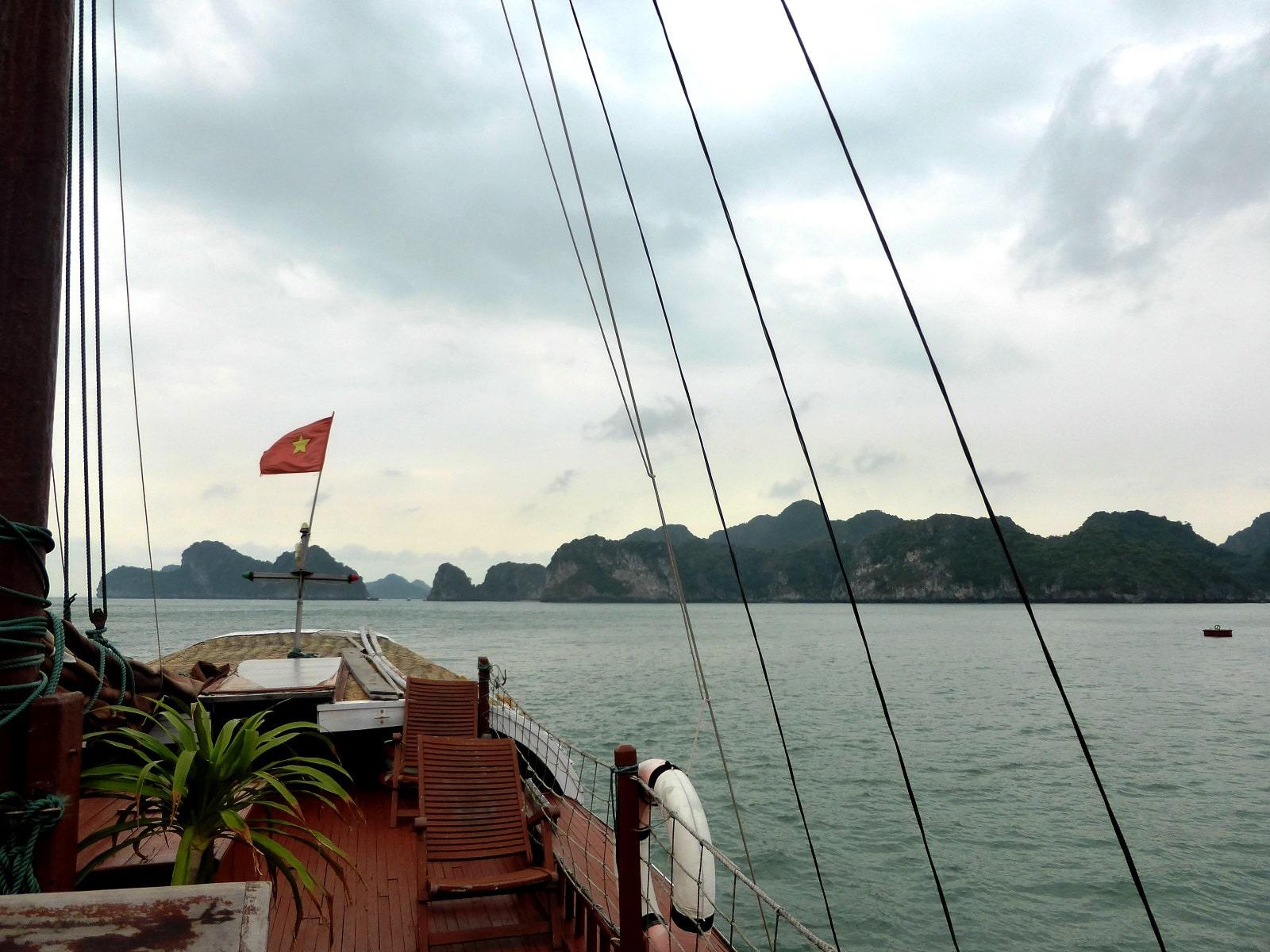 A la découverte de la Baie d'Halong maritime et terrestre