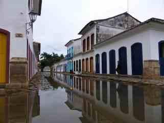 Rue marée montante Paraty-Brésil