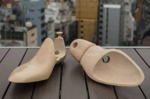 shoe trees: clean white shoes