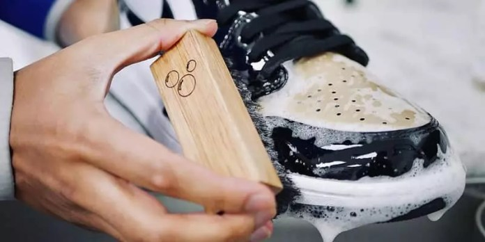 cleaning shoes: Sneakers vs Shoes
