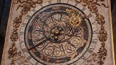El reloj astronómico de Lyon, Francia